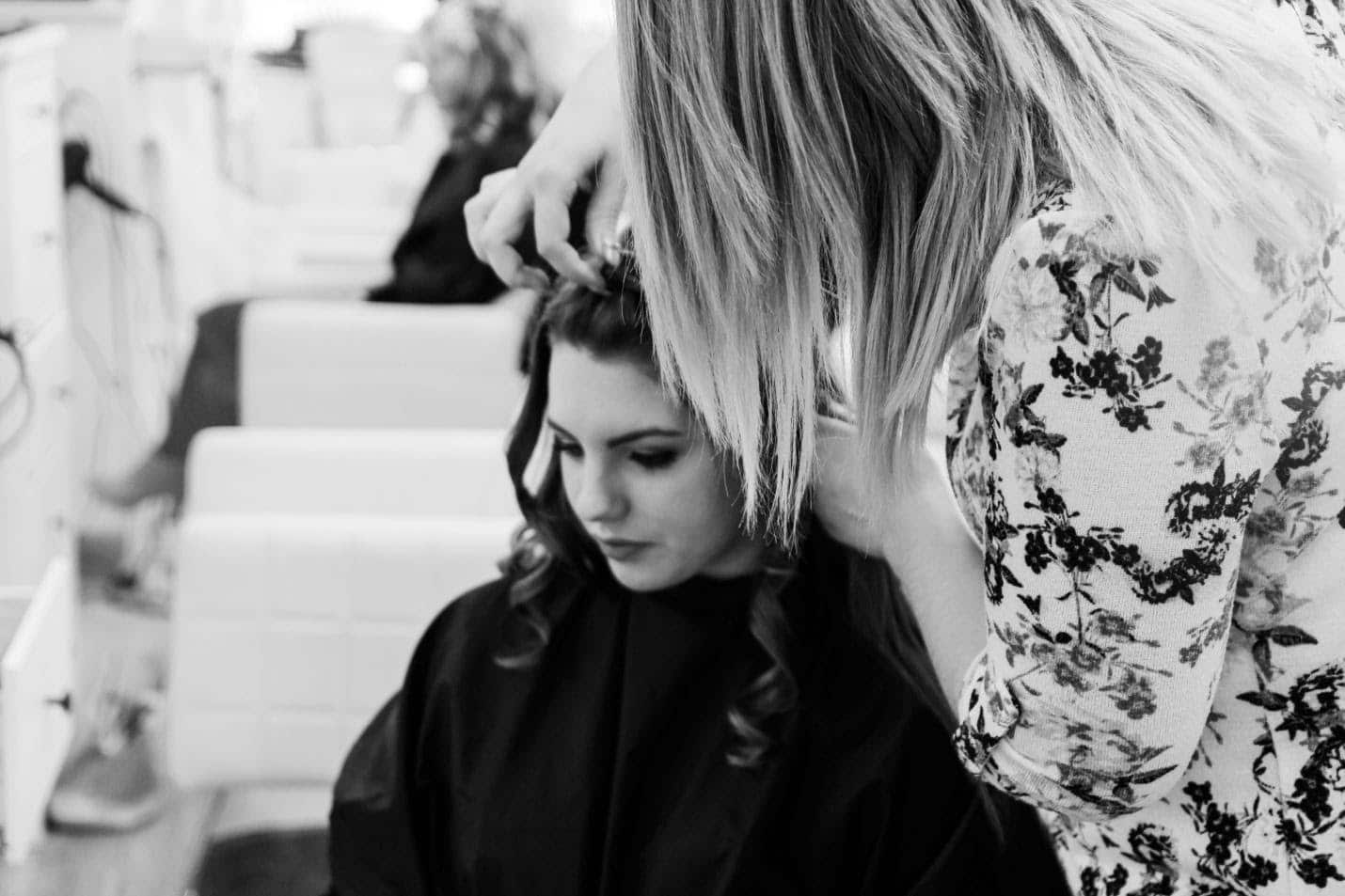 smart-tips-to-tame-and-fix-frizzy-hair